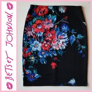 NWOT Betsey Johnson Scuba Stretch Pencil Skirt
